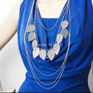 Collier long feuille